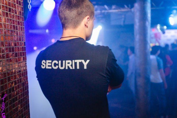 Охранник в ночные клубы москвы у девушек в ночных клубах